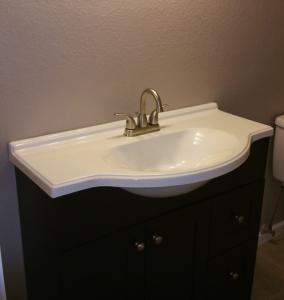 Ian.bath_.sink_.12.23.14-284x300